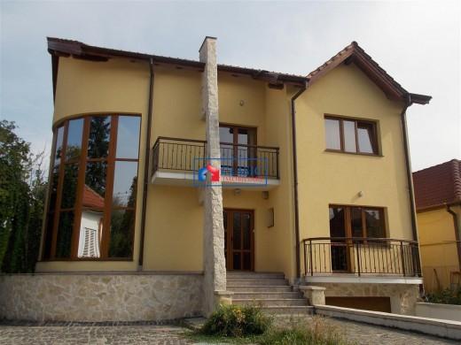 Casa de inchiriat in Cluj-Napoca, A. Muresanu - 350 mp, 2600 euro