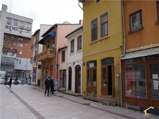 Spatiu comercial de inchiriat in Craiova, N/A - 140 mp, 700 euro