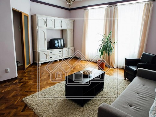 Apartament de inchiriat in Sibiu, Ultracentral - 3 camere, 90 mp, 650 euro